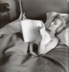 Marilyn Monroe with Niagara script.