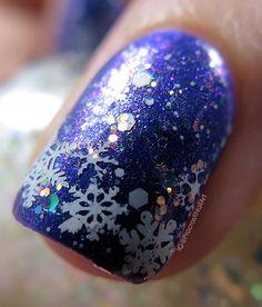 ProcrastiNails: Nail Art // Wintery Snowflake Stamped Tips