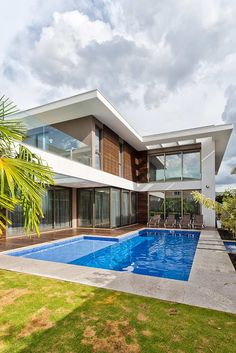 L Shaped House Plans, Pool House Plans, Modern Architects, House Front Design, Swimming Pools Backyard, Dream Pools, Dream House Exterior, Pool Designs, My Dream Home