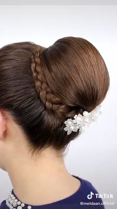 Hairstyles For Medium Length Hair Tutorial, Hair Tutorials For Medium Hair, Ponytail Hairstyles Tutorial, Braided Bun Hairstyles, Bun Hairstyles For Long Hair, Short Hair Updo, Braided Buns, Two Buns Hairstyle, Bun Braid