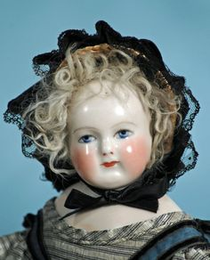 BEAUTIFUL FRENCH PORCELAIN POUPEE BY ROHMER WITH SIGNED - 2