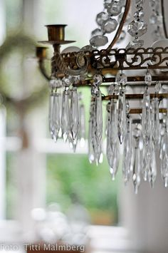 Crystal Chandelier - Traditional Style #decor #details
