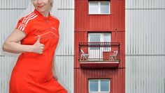 Facade Goes Fashion: Karkkiraidat ja sulkapalloasu | Candy Stripes by Adidas