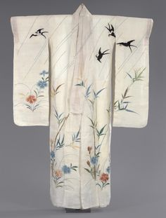 Women's kimono from the first half of the 19th century, Japan. Philadelphia Museum of Art