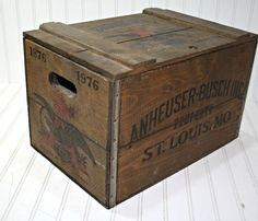 Love this vintage wooden crate