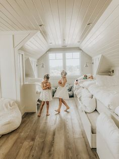 Advice, techniques, along with manual beneficial to acquiring the best end result and creating the maximum perusal of bunk beds for girls room Beach Cottage Style, Beach House Decor, Beach House Furniture, Home Furniture, Beach House Bedroom, Watercolor Florida, Bunk Rooms, Attic Rooms, Dream Beach Houses