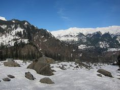 Rohtang is few kilometers away from Manali and known for thrilling adventure sports...!!