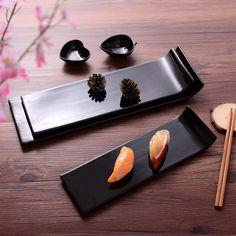 Japanese and Korean style sushi rice pastry plate restaurant tableware minimalist black rectangular plate creative ceramic disc