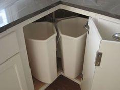Corner recycling unit