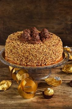 Torta Ferrero Rocher…per non farsi mancare nulla! Torta Ferrero Rocher, Rocher Torte, Hot Chocolate Gifts, Chocolate Recipes, Mini Cakes, Cupcake Cakes, Baking Recipes, Cake Recipes, Torte Cake