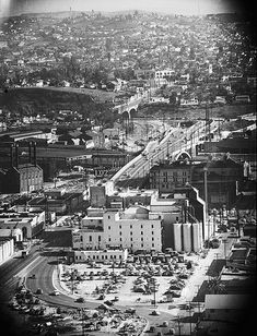 An southeastward aerial view along the Aliso Street future route of the Route 101 Hollywood Freeway past the Maier-Brew 102 brewery in downtown Los Angeles (ca. California History, Vintage California, California Dreamin', Los Angeles California, Norwalk California, East Los Angeles, Los Angeles Area, Los Angeles County, Downtown Los Angeles