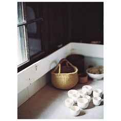Morning light. . . . .photo by @ashleykelemen for @magnoliarouge lifestyle #seedsandstone #porcelain #theartofslowliving #ceramics #clay #handmade #formandfunction #studio #basketlove #naturalbeauty #maui #hawaii #lifestyle #simple #morninglight #modern #teabowls