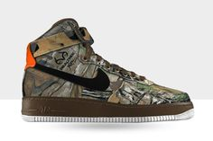 In a year that has seen camouflaged variations on a plethora of silhouettes, Nike takes things one step further, today unleashing the Air Force 1 'Realtree Camo' options to their ID platforms. Available to both low and hi editions of the premium staple Swoosh, ride the link train over to Nike ID and try your …