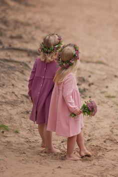 Beautifule girls muslin dresses (fot. @paulinawozniak_fotografia) https://www.facebook.com/lillyrosekids/ https://www.etsy.com/shop/LillyRose2008?ref=profile_shopname