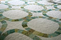 Someday, I would love to be able to make this quilt.  Someday far, far from now.