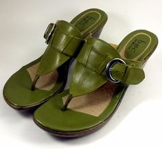 BORN B.O.C Shoes ~ Women's Green Leather Wedge Thong Mule Buckle Sandals ~ 10 M #Born #PlatformsWedges