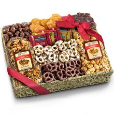 Birthday Chocolate Caramel and Crunch Grand Gift Basket with Snacks, Pretzels, Ghirardelli and Chocolate-covered Nuts Chocolate Cacao, Chocolate Almond Bark, Chocolate Crunch, Chocolate Covered Pretzels, Ghirardelli Chocolate Squares, Chocolate Gift Boxes, Chocolate Baskets, Chocolate San Valentin, Caramel Crunch