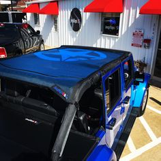 Custom Jeep Wrangler Accessories and Shade Tops Jeep Jku, Boot Storage, Jeep Wrangler Accessories, Custom Jeep, Tonneau Cover, Wrangler Unlimited, Arcade, Shades, Sunglasses