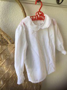 Girls/vintage/white/blouse /buttons down back /Åhlens/fills/eyelet Swedish Girls, Summer Skirts, Kimono Fashion, Your Girl, Vintage Children, Button Downs, Ruffle Blouse, Buttons, Etsy Shop
