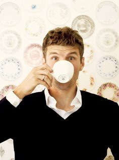 Tea time (or is it coffee?) for Thomas Müller