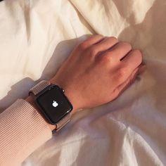 Apple Watch Hacks, Smart Watch Apple, Apple Watch Series 3, Apple Watch 42mm, Gold Apple Watch, Ring Watch, Watch Case, Watch Bands, Apple Watch Fashion
