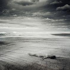 https://flic.kr/p/dNzEP1 | pocałunki | Obłóczona światu i jawie,  ziemskim okryta całunem, leżała kiedyś krzyżem na trawie, rozpamiętując pocałunek. Maria Pawlikowska-Jasnorzewska  ♫  www.magic-art-photography.eu