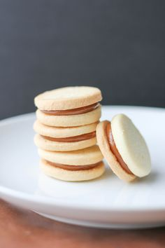 A delicious and easy recipe for alfajores, an Argenitinian treat filled with dulce de leche
