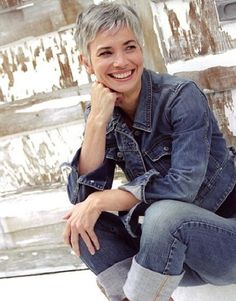Short pixie cut with grey hair. Grey short pixie hairstyle for older women.
