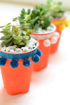 The Solo cup: not just for beer pong! DIY Solo Cup Succulent Planters by Camille Styles. pom pom ribbon would be really cute layered in crafts! Coffee Cup Crafts, Solo Cup Crafts, Suculentas Diy, Idee Diy, Mexican Party, Party Cups, Pom Pom Trim, Flower Pots, Fun Crafts