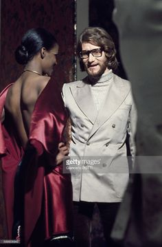 french-fashion-designer-yves-saint-laurent-during-the-fitting-before-picture-id599806843 (672×1024)