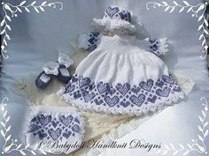 Heart Patterned Dress Set inch baby-Babydoll Handknit Designs, k. Baby Dress Patterns, Heart Patterns, Baby Knitting Patterns, Knitting Designs, Hand Knitting, Knitting Charts, Knitting Ideas, Baby Doll Clothes, Baby Dolls