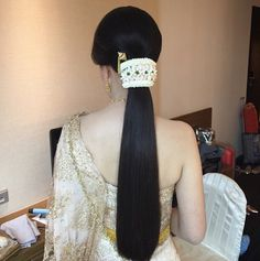Indian Bridal Hair Style For Long Hair Wedding Flower 40 Ideas For 2019 Saree Hairstyles, Indian Wedding Hairstyles, Ponytail Hairstyles, Bride Hairstyles, Trendy Hairstyles, Everyday Hairstyles, Long Hair Wedding Styles, Long Hair Styles, Bun Styles