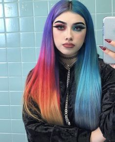 __ᴳᴼᴼᴰᴮᵞᴱ ˢᴬᴺᴵᵀᵞ__ # ᴹᴼᴼᴰ # ᴵᴰᴷ # ᴶᴱˢᵁˢ # ᴵ # ᴺᴱᴱᴰ # ᴴᴵᴹ - Colorful Hair Medium Styles Hair Dye Colors, Hair Color Blue, Cool Hair Color, Green Hair, Dreads, Split Dyed Hair, Pinterest Hair, Dye My Hair, Aesthetic Hair