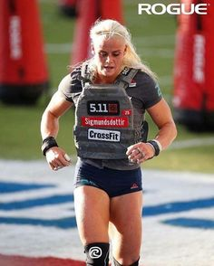 Rouge Crossfit Women, Crossfit Gym, Crossfit Athletes, Crossfit Chicks, Sara Sigmundsdottir, Weight Loose Tips, Crossfit Motivation, Stay In Shape, Athletic Women