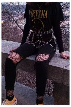 Egirl Fashion, Tomboy Fashion, Teen Fashion Outfits, Girl Outfits, Rock Fashion, Retro Outfits, Grunge Outfits, Cute Casual Outfits, Gothic Outfits