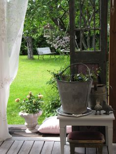 Vintage Interior Blogs: Gorgeous garden view!