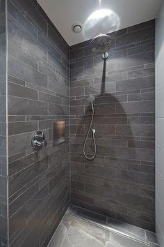 INLOOPDOUCHE | VAN VELTHOVEN & VAN KRUIJSSEN | WOLFS ARCHITECTEN | PROJECT VIA @THEARTOFLIVINGONLINE #badkamer #douche #shower #inloopdouche #tegelwand #walkinshower #sanitair #vanvelthovenvankruijssen #wolfsarchitecten #villa #nieuwbouw Grey Bathrooms, Master Bathroom, Bathroom Design Small, Bedroom Vintage, Bedroom Storage, Basement Remodeling, Villa, House Design, Small Bathtub