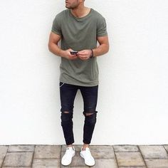 Tag someone you think would look good in this outfit #menwithstreetstyle
