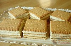 Kekskuchen mit Vanillecreme Without baking, without lengthy preparation, but with a delicious taste. It's unbelievable with what simple ingredients an … Dessert Simple, Bon Dessert, Easy Cake Recipes, Easy Desserts, Sweet Recipes, Dessert Recipes, Biscuit Sandwich, Biscuit Cake, German Baking