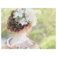 sayaka ito(studio8/hairmake)さんはInstagramを利用しています:「: : 新婦様のご希望でお花をいっぱい。 とってもおしゃれで雰囲気があって素敵でした(^^) : ボブよりもちょっと長い位の短めの髪の毛でしたがねじねじと編み込みで華やかに(^。^) : @studio8nagoya : hairmake:Sayaka Ito…」 Wedding Kimono, Wedding Dresses, Hair Arrange, Wedding List, Kimono Dress, Bridal Hair, Wedding Hairstyles, Hair Beauty, Flower Girl Dresses