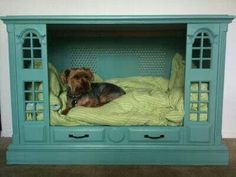 old console TV turned into a dog bed. Found a console tv at an antique shop a few years ago. Tv Dog Beds, Diy Dog Bed, Pet Beds Diy, Doggie Beds, Puppy Beds, Cat Beds, Cool Pets, Cute Dogs, Furniture Projects
