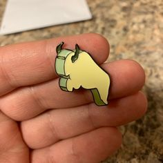 Flying Bison Whistle Enamel Pin - Avatar the Last Airbender lapel Pins - Hat Pins Avatar The Last Airbender Art, Avatar Aang, Cool Pins, Pin And Patches, Hat Pins, Lapel Pins, Pin Collection, Bison, Geek Stuff