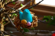 This is so cute!!!! genius! Easter Snacks, Easter Peeps, Hoppy Easter, Kid Snacks, Easter Food, Easter Table, Edible Bird's Nest, Spring Treats, Welcome Spring