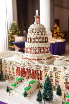 Windows Catering in Washington is offering gingerbread houses in the form of the White House, the Pentagon, or the Capitol building. Also available as eye-catching holiday party centerpieces: smaller scale, customized versions of offices or homes. Gingerbread House Parties, Gingerbread Village, Christmas Gingerbread House, Gingerbread Man, Gingerbread Cookies, Christmas Cookies, Christmas Baking, Christmas Fun, Italian Christmas