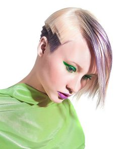 Trend Vision 2013 should have blunt edges on the long pieces too Creative Hairstyles, Funky Hairstyles, Short Hair Cuts, Short Hair Styles, Creative Hair Color, Hair Tattoos, Hair Reference, Hair Shows, Hair Art