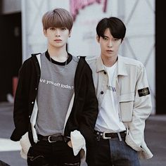 "[SELESAI] Himpunan is where your home is. ""Kirain rumahku bukan him… Nct Doyoung, Foto Bts, Popular Music, Taeyong, Jaehyun, Nct Dream, Nct 127, Boy Groups, Couple Goals"