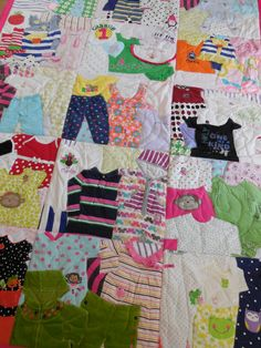 Baby Clothes Blanket Diy Memory Quilts T Shirts 50 Ideas Quilt Baby, Baby Memory Quilt, Memory Quilts, Memory Pillows, Baby Clothes Blanket, Old Baby Clothes, Quilts From Baby Clothes, Ladies Clothes, Diy Clothes