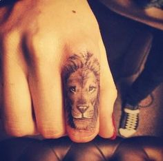 I want this on the top of my neck!! #tattoo