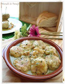 INGREDIENTES: Albóndigas: 8 medallones de merluza Miga de pan ( dos rebanadas de pan de molde sin corteza) Leche ( un poq...