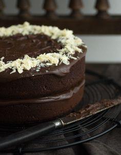 Brownie-Torte mit Schokoladen-Ganache - Zimtkeks und Apfeltarte